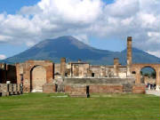 pompeii_temple_of_jupiter-ruins.jpg